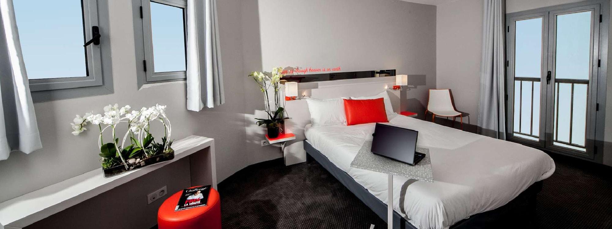 R servation suite famille juan les pins r server suite for Prix chambre hotel ibis
